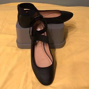 Size 10 mossimo black ballet flats